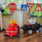 Spielgruppe Eichhörnli Wetzikon- Bobbycar Verkehrsschilder