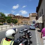 das Stadttor von San Gimignano