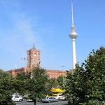 Berlin, Rotes Rathaus mit Funkturm