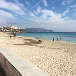 noch ein Spaziergang am Strand von Cala Millor vor dem Abflug