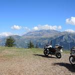 auf dem Col du Solude mit Blick auf l'Alpe d'Huez
