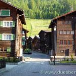 17. Tag  Ulrichen, ein Typisch wallisisches Dorf