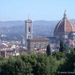Blick auf die Kathedrale von der Stadtrundfahrt
