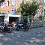 das Beladen der Mopeds