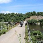 """die """"verbotene"""" Brücke am Lago di Coghinas (irgendwie haben wir die Verbotsschilder nicht deuten können)"""