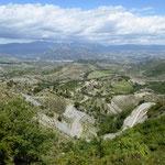 Blick auf Fígols de Tremp auf dem Weg zum Coll de Montllabor