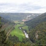 das obere Donautal mit dem Kloster Beuron im Hintergrund