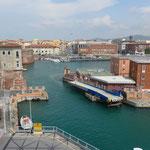 Blick in den Sportboothafen von Livorno
