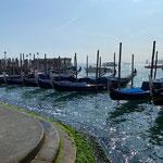 Venedig - und siehe da... Gondeln - wer hätte es gedacht