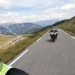 Auffahrt zum Col des Champs