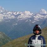 die Berner Alpen im Hintergrund (Jungfrau & Eiger ??????)
