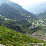 """die alte """"Tremola"""" das längste Strassen-Baudenkmal der Schweiz"""