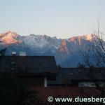 Blick auf die Alpspitze und Zugspitze