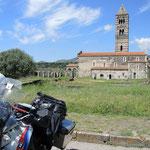 """die berühmteste Kirche auf Sardinien """"Santissima Trinità di Saccargia"""""""