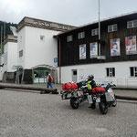 Garmisch-Partenkichen bei Regen, hier im Skispringstadion