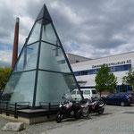 Zwiesel, die Glaspyramide besteht aus ca. 93.000 Weingläsern