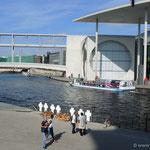 Berlin, die Spree mit dem Bundespresseamt