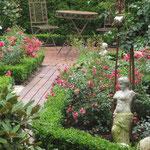 liebevoll gepflegter Bauerngarten Ferienwohnung Gartenidylle Ostfriesland Leer