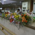 地元のナーシング・ヴィラにお花を届けしました