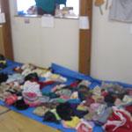 子供服のリサイクルコーナーはサイズ別にしてあります