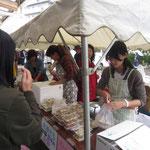 「日本語教室」はトムヤンクン、グリーンカレー、鶏ご飯や大根もち、杏仁豆腐