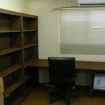 完成!!机と本棚とプリンタ台一体型です
