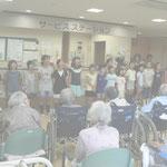 小学科は讃美歌を唄いました(フィルターをかけてあります)