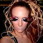 Make-up sophistiqué/mise en forme des cheveux