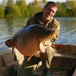 Carpe de 225,5 kg, étang Acrocarpe