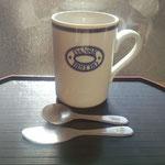 1日。手持ちのマグカップを撮影。