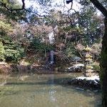 兼六園、瓢池の翠滝(ひさごいけのみどりたき)