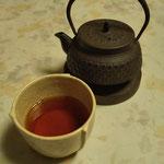 掟破りの鉄瓶で紅茶。