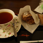 茶淹でも〆に紅茶とシュークリームが出た!
