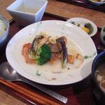 お昼にいただいた「樫」の「お魚のランチ」1250円。