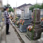 15日、女房の母の墓参り。