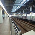 7月4日、朝の金沢駅、新幹線を待っています。母の納骨で上京。