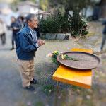 多田元吉翁のお墓に献花