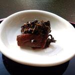性懲りもなく佃煮をつくっています。椎茸とお茶。