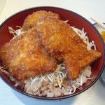 お昼にソースカツどん。加賀市の北陸食堂。