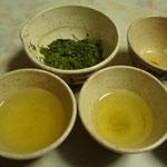 掛川の新茶をいただいています。浅蒸しです。