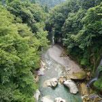 白峰までの道中、手取峡谷を見下ろす。