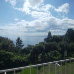 9日、うしつ荘から見る能登の海
