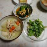 14日の夕食。コールラビ、わさび菜、小松菜。
