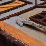 Moltofill Holz Reparatur Spachtel in dicker Schicht. Bei der benutzten Menge leider sehr teuer!