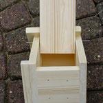 Vogelhuisje bouwen nestkastje onbeschilderd met open deurtje_liggend
