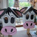 Vogelhuisje bouwen nestkastje hout koe in de maak_in de verf