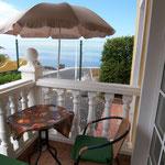 Balkon mit Blick auf das Meer