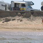 am Strand bei Nakos
