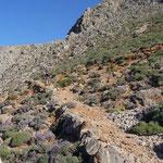 der steile Pfad von Anopoli nach Loutro