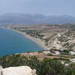 Blick auf Komos-Beach - dahinter das Psiloritis-Massiv